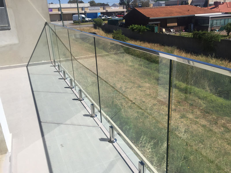 Why Choose A Frameless Glass Balustrade For U Home